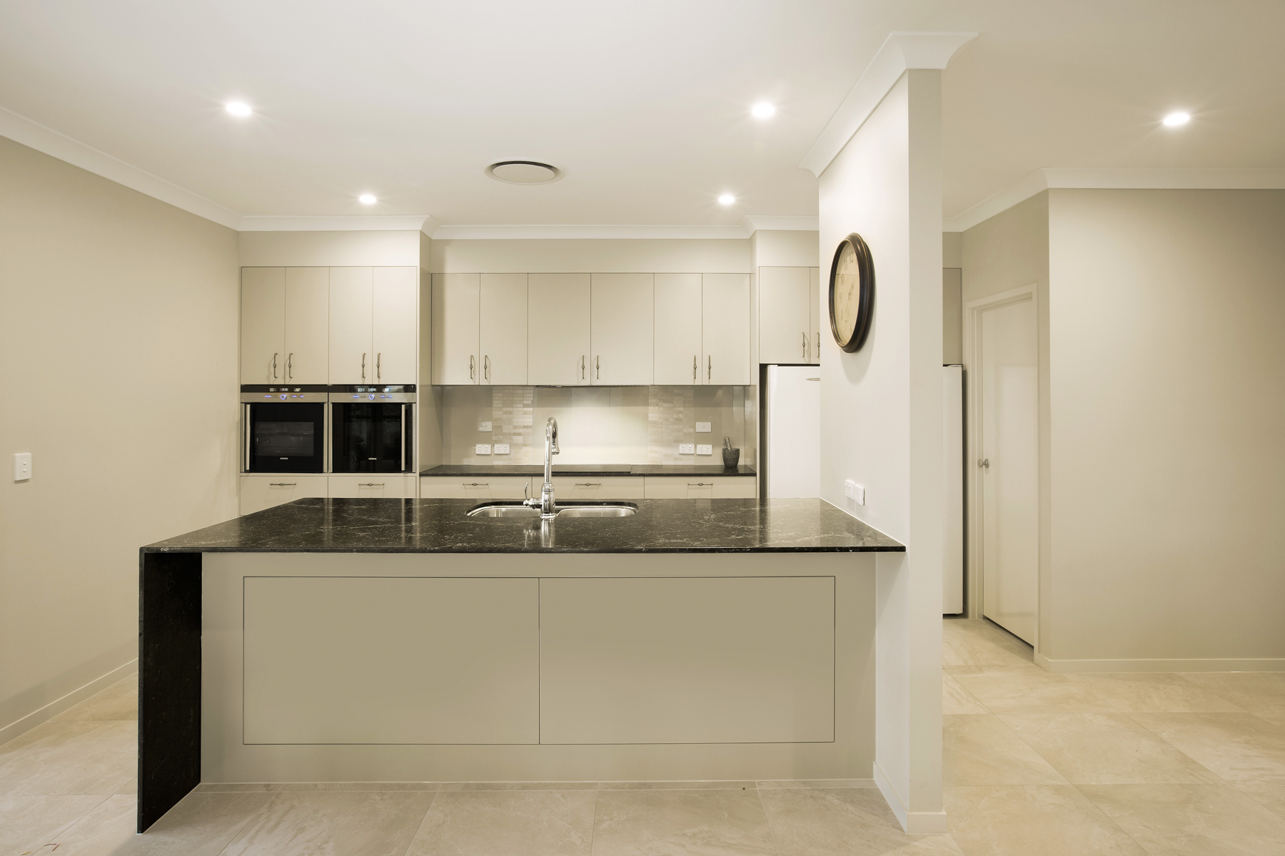 Kitchen cabinets makers - Contemporary Modern Kitchen Design Brisbane With Vanilla