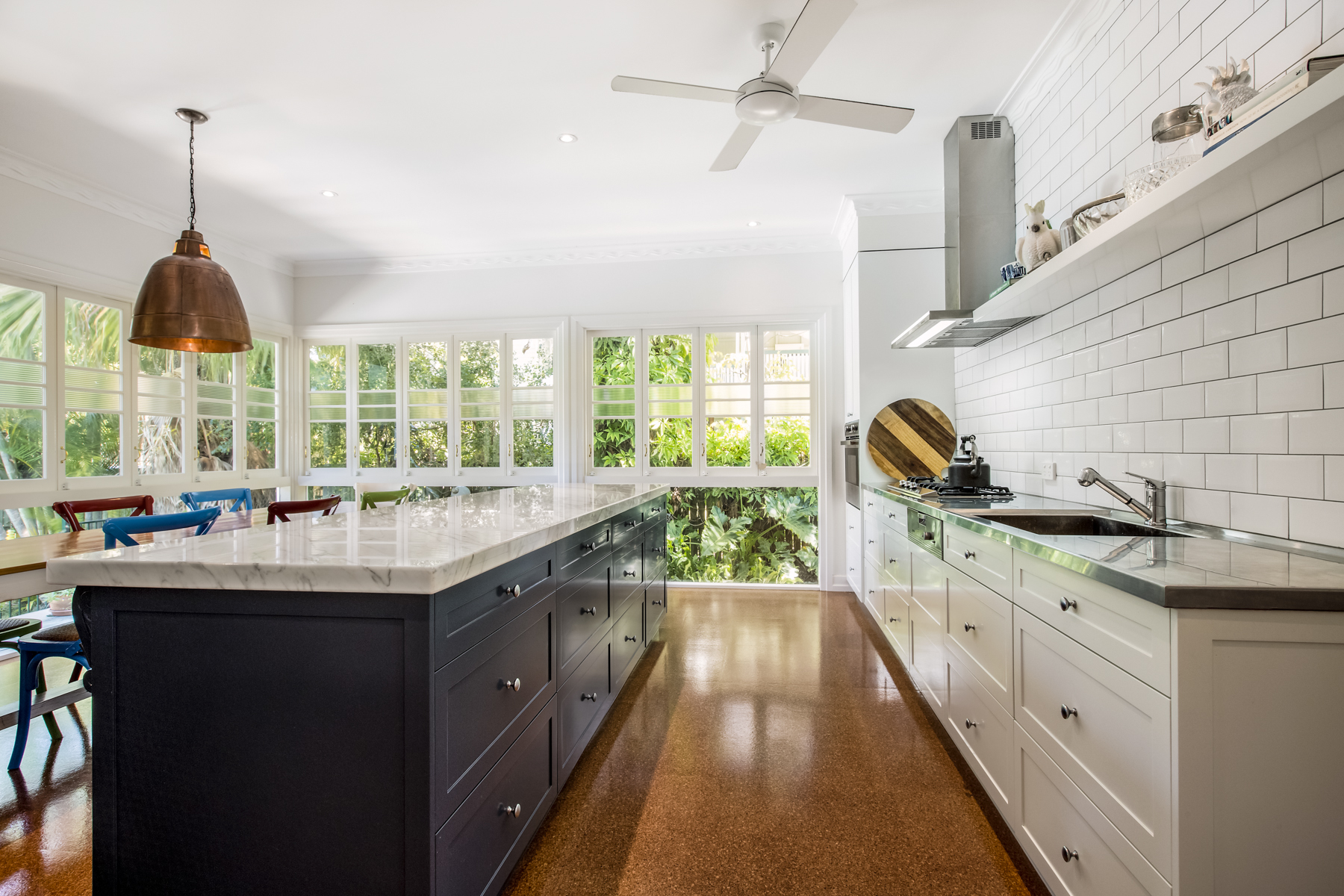 Traditional Country Kitchen Design Brisbane With Natural